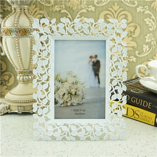 Fashion flower vine style photo frame/white metal photo frame